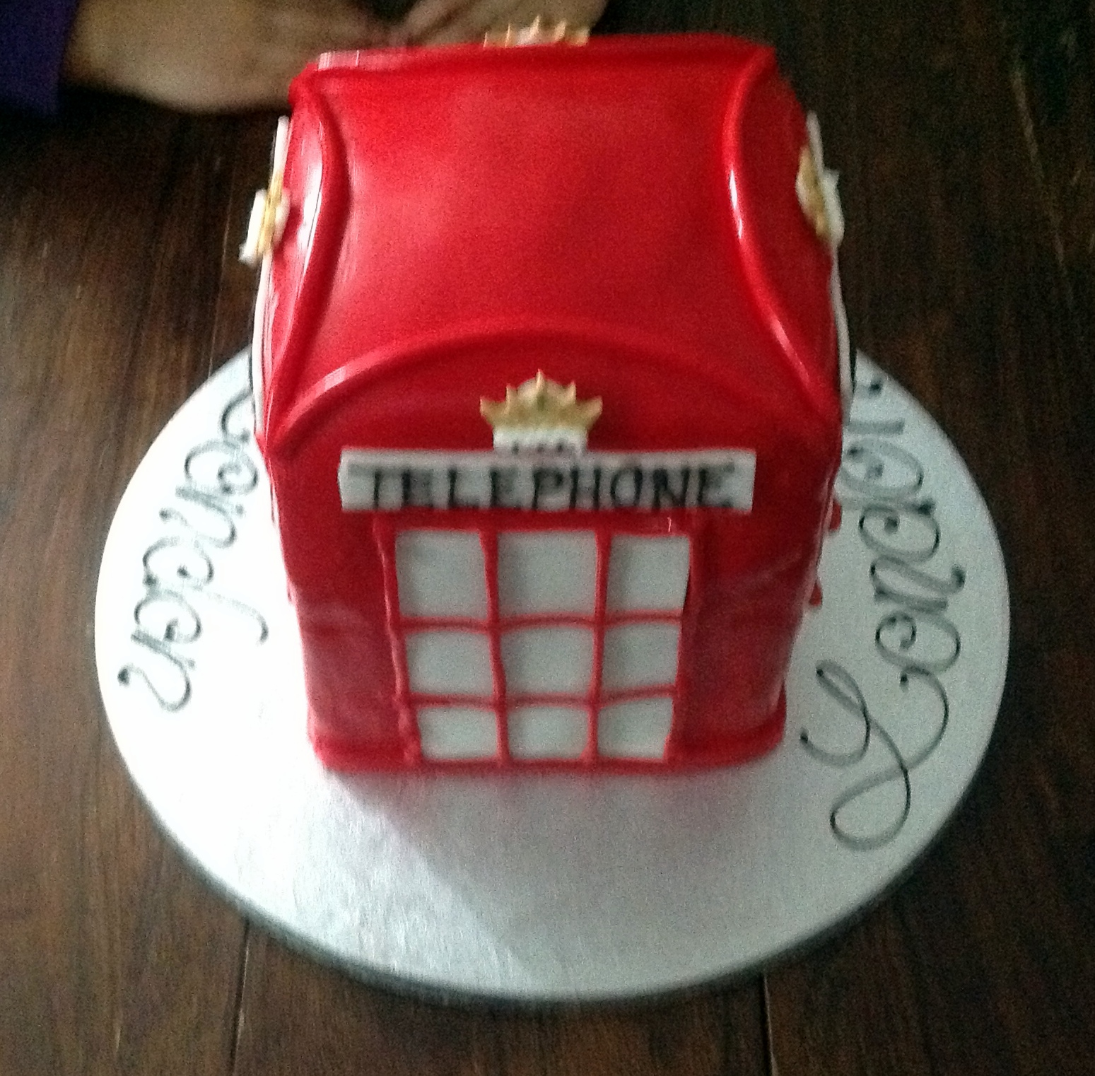 Ulis Cakes Telephone Box Cake