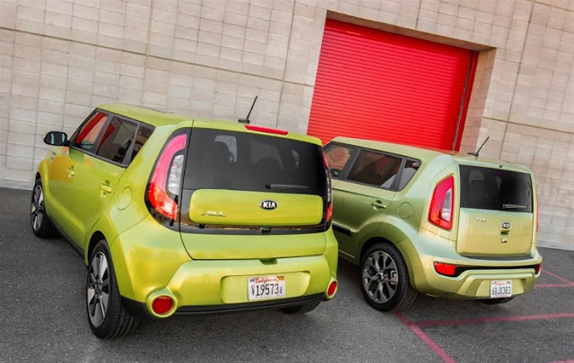 2014 Kia Soul vs. 2013 Kia Soul rear