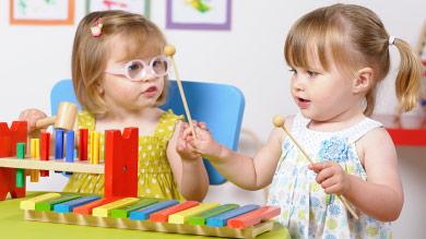 أهمية اللعب للأطفال 20120919-musique-apprendre-jeu.jpg