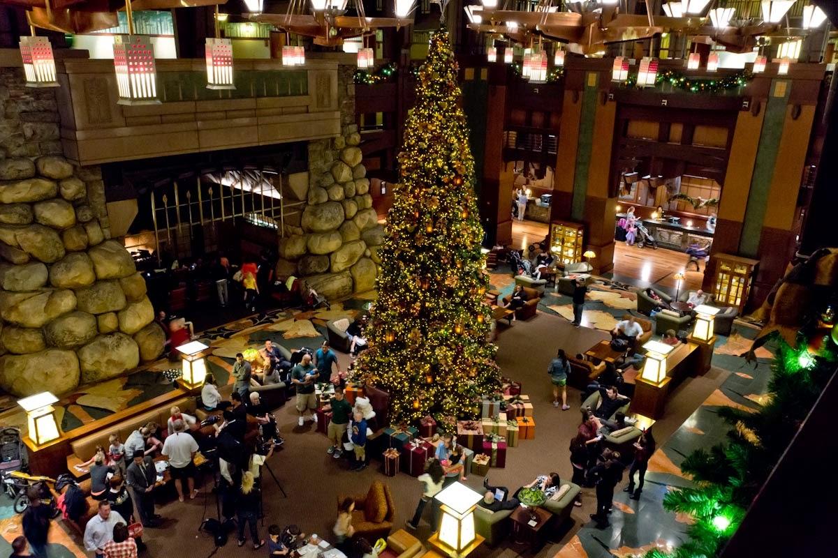 Disney hotel christmas decorations - Disney Hotel Christmas Decorations 24