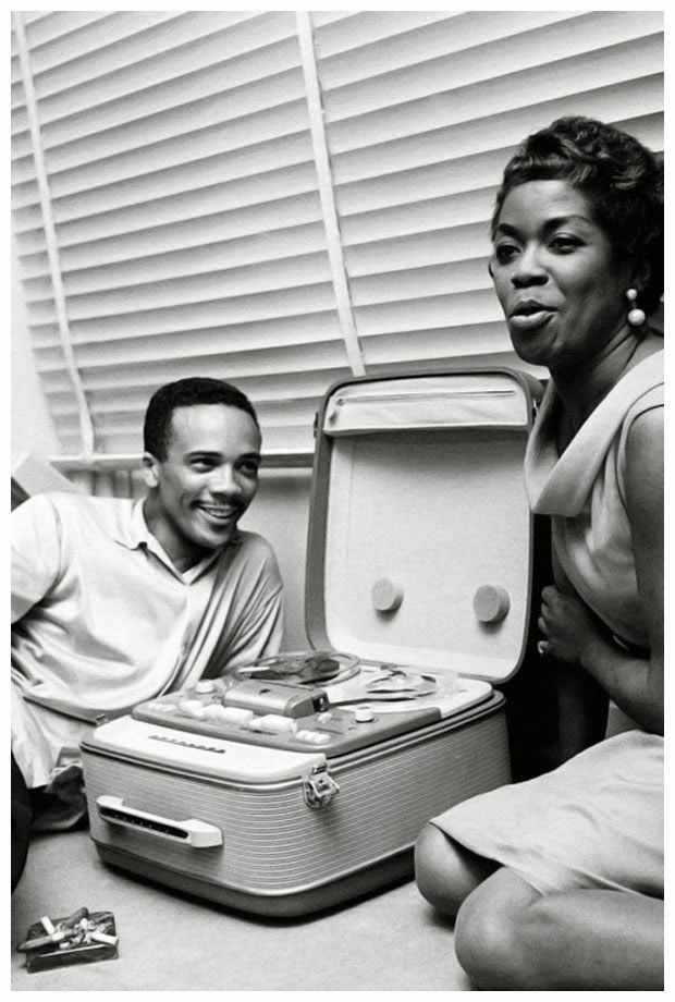 Quincy Jones and Sarah Vaughan vibe out in front of Peter Graves' tape machine from Mission: Impossible.