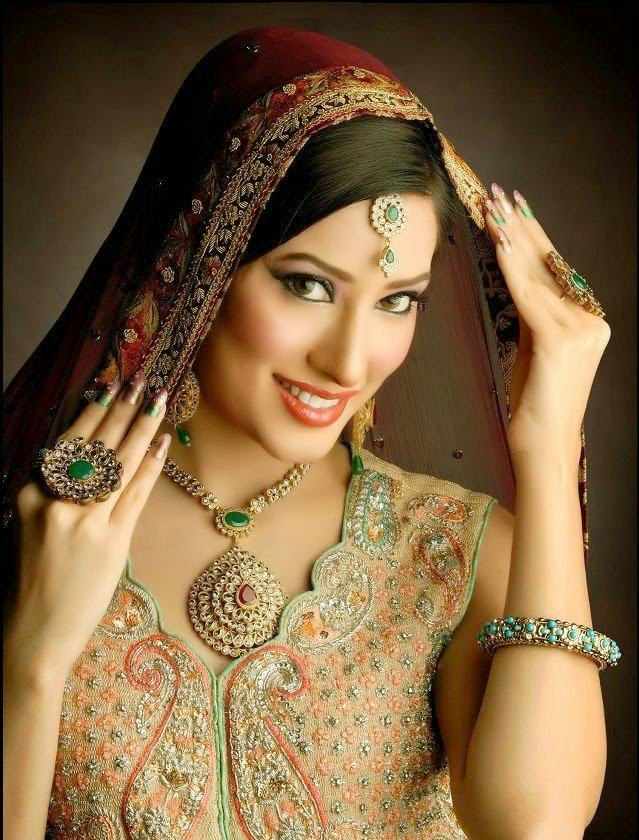 Mehwish Hayat HD wallpapers Free Download