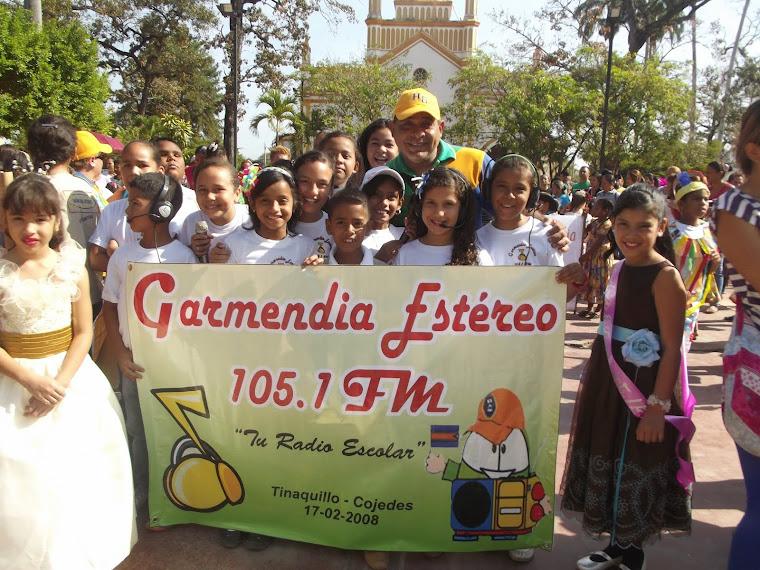 DESFILE CON LA PARTICIPACION DE ESTUDIANTES DE LA ESCUELA HORTENSIA DE GARMENDIA