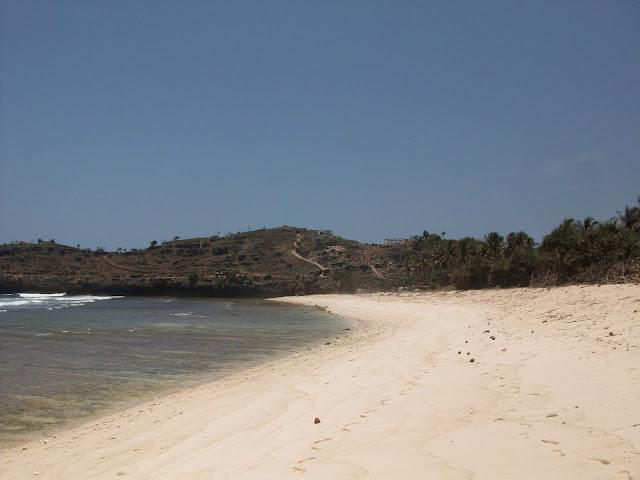 Pantai Teleng Wisata di Pacitan