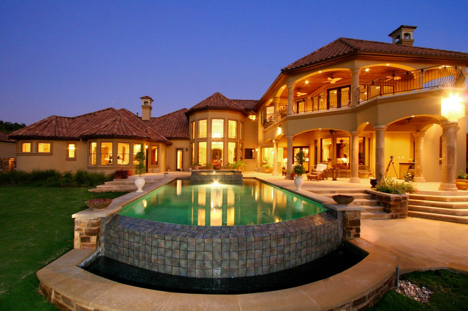 Mediterranean house plans with pools home designs for Beautiful mediterranean homes