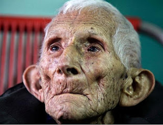 Old-woman-Photos-Pictures-Images-Pics