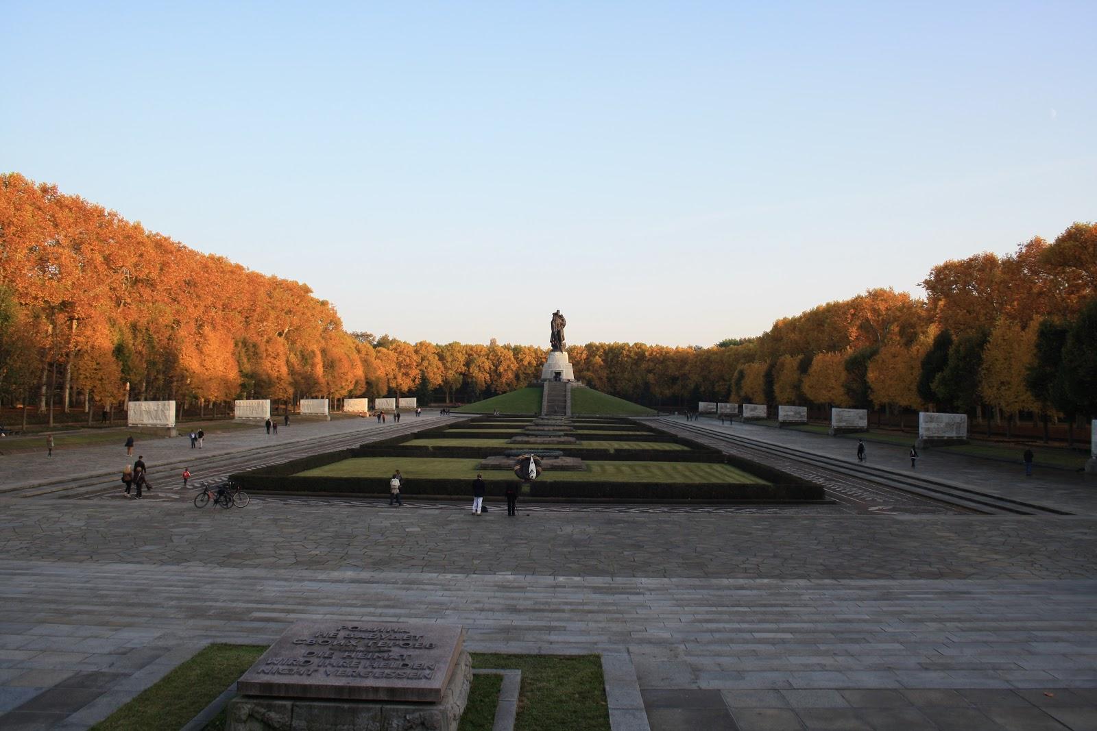 Mémorial et cimétière Russe Treptower Park Berlin