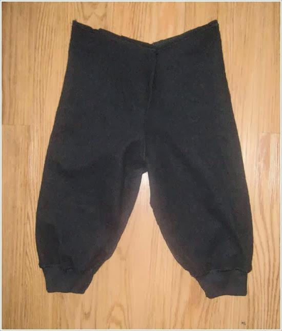 Теплые штаны для мальчика из папиной толстовки