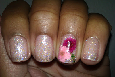 Glitter, dried flowers, pink, french tip, frenchie, girly, nail art, mani