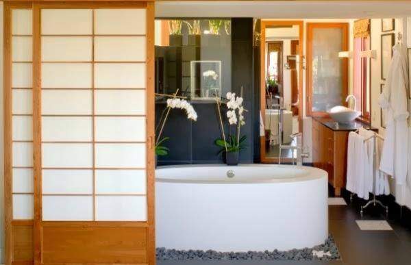 decoración de interiores estilo japones:En la decoración de baños japoneses los materiales que se deben