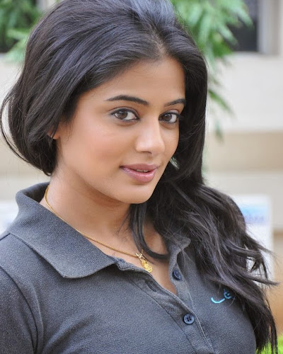 Hot Priyamani photos in jeans at chandi movie press meet