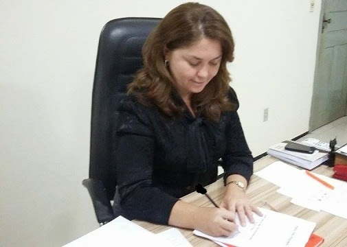 Prefeita Luíza Rocha é recebida pelo Secretário de Estado da Saúde