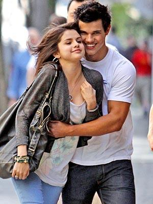 selena gomez hot wallpapers. 2010 selena gomez hot kiss