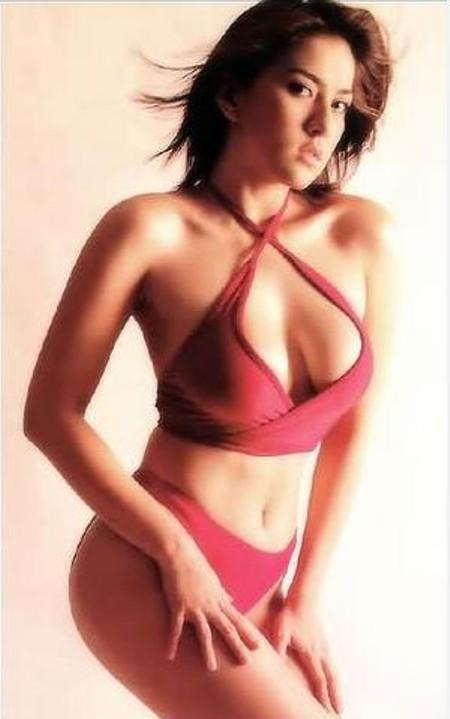 Ara Mina Hot