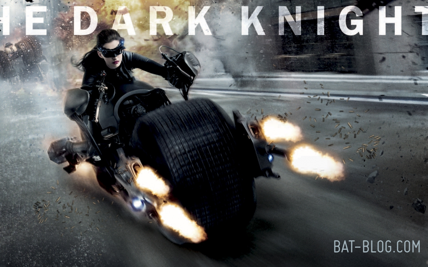 http://1.bp.blogspot.com/-gAYs6rA2oSo/T8CIwotqRoI/AAAAAAAAT0M/M35uNWKMIxA/s1600/wallpaper-anne-hathaway-catwoman-the-dark-knight-rises-batman-movie-1.jpg