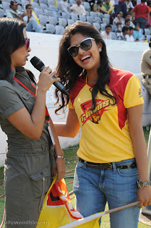 Amla Paul wearing aChennai Rhinos T Shirt Super Spicy Pictures at CCL 2