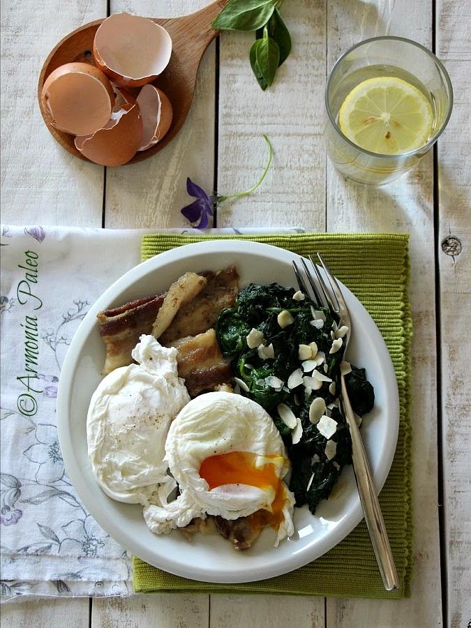 Uova in Camicia con Pancetta e Spinaci di Armonia Paleo