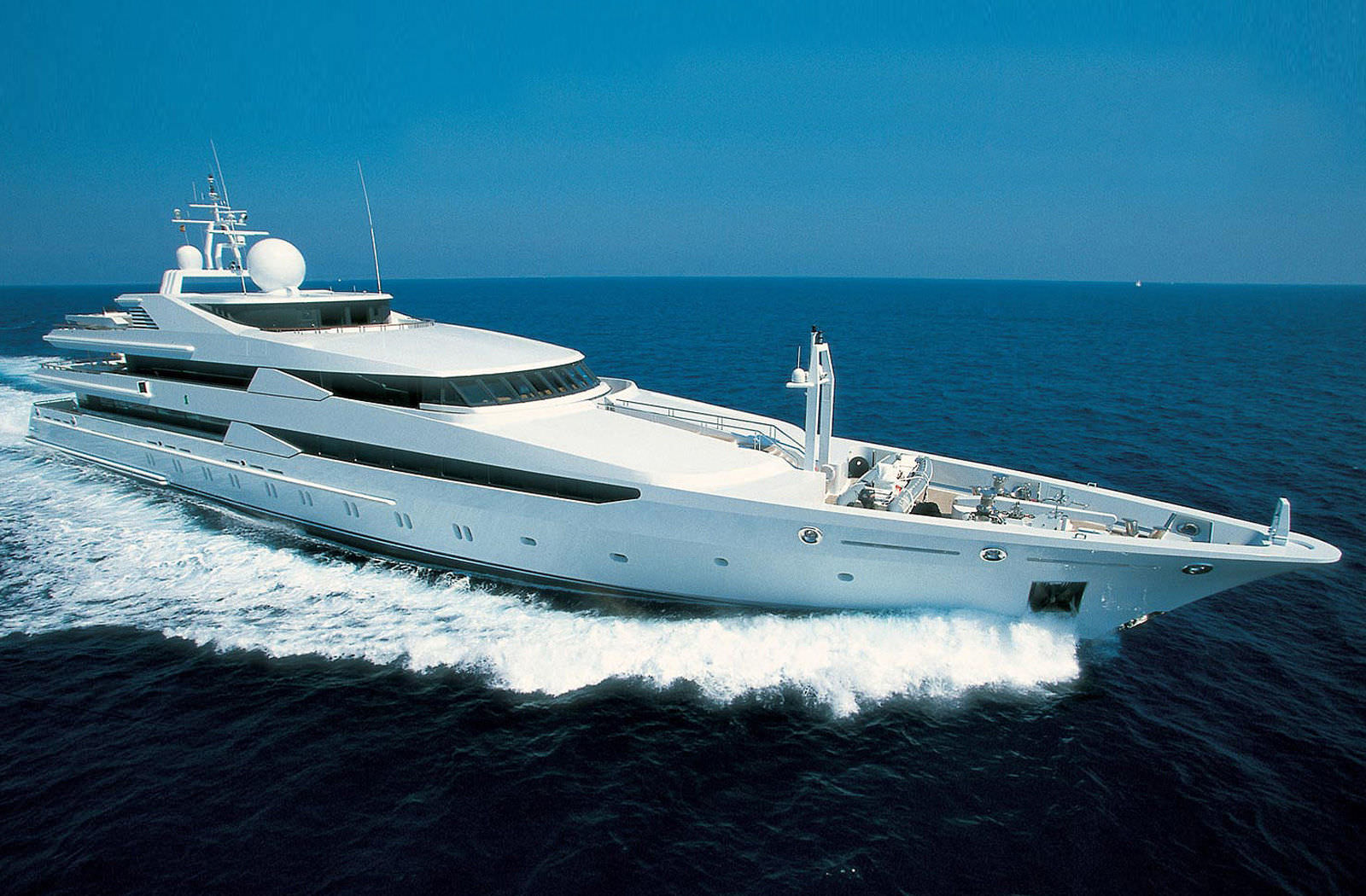 Superyacht CONSTELLATION