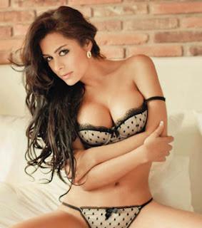 Larissa Riquelme hot fotos