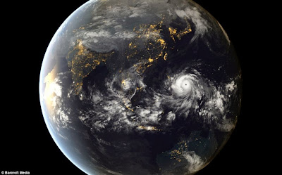 http://www.dailymail.co.uk/news/article-2494635/Philippines-super-typhoon-Haiyan-powerful-storm-history.html