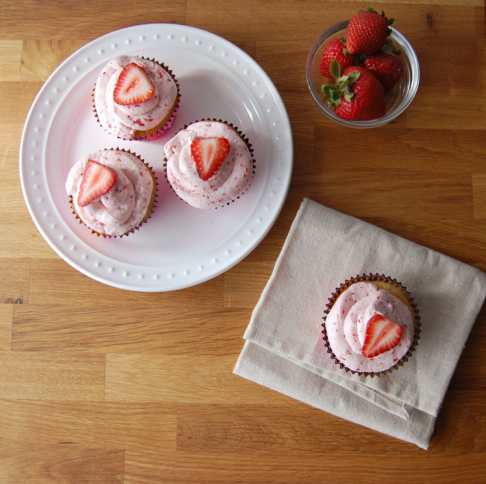 Fresh Strawberry Cupcakes with Strawberry Buttercream Frosting