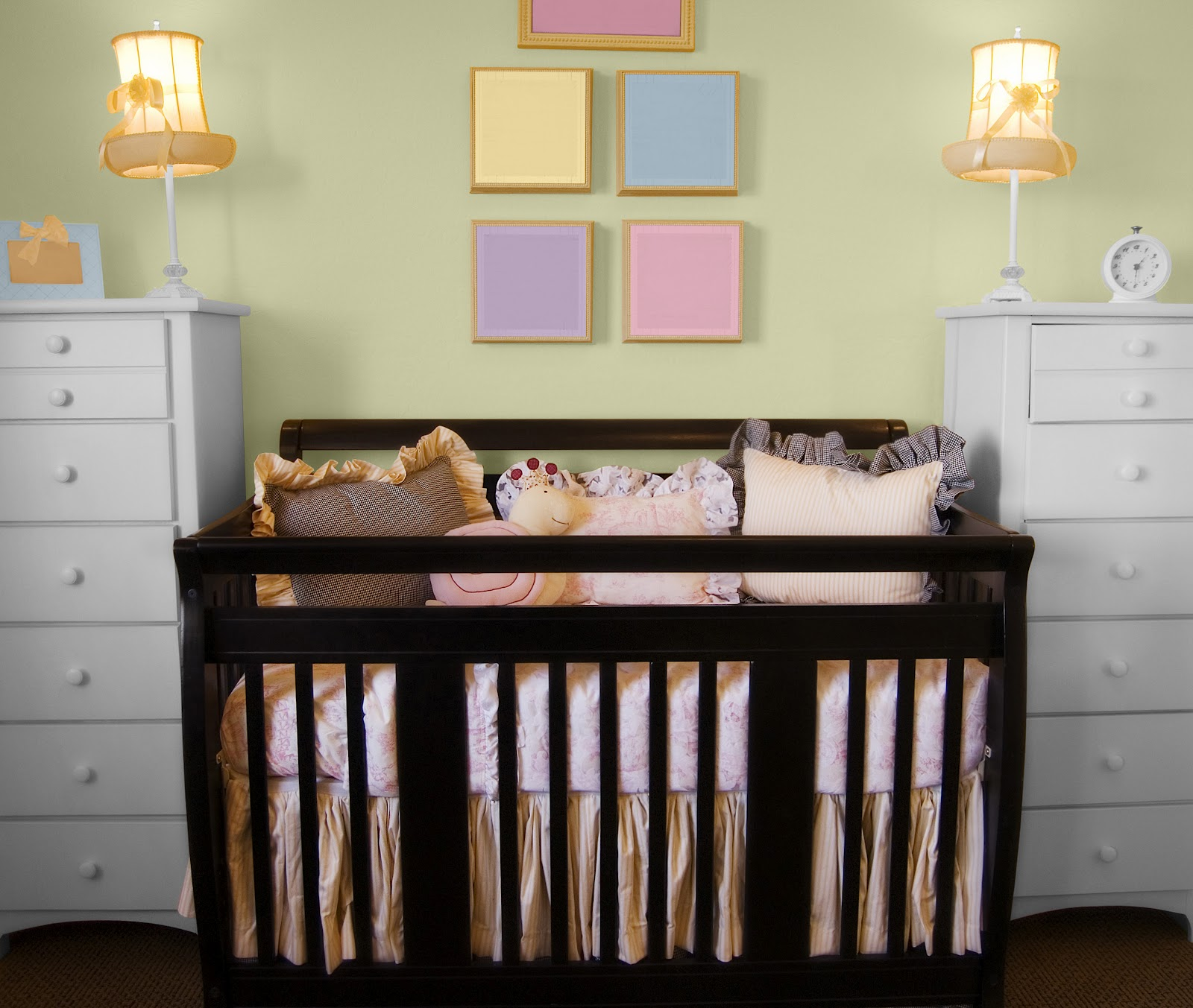 Top 10 baby nursery room colors and decorating ideas for Baby girl nursery mural