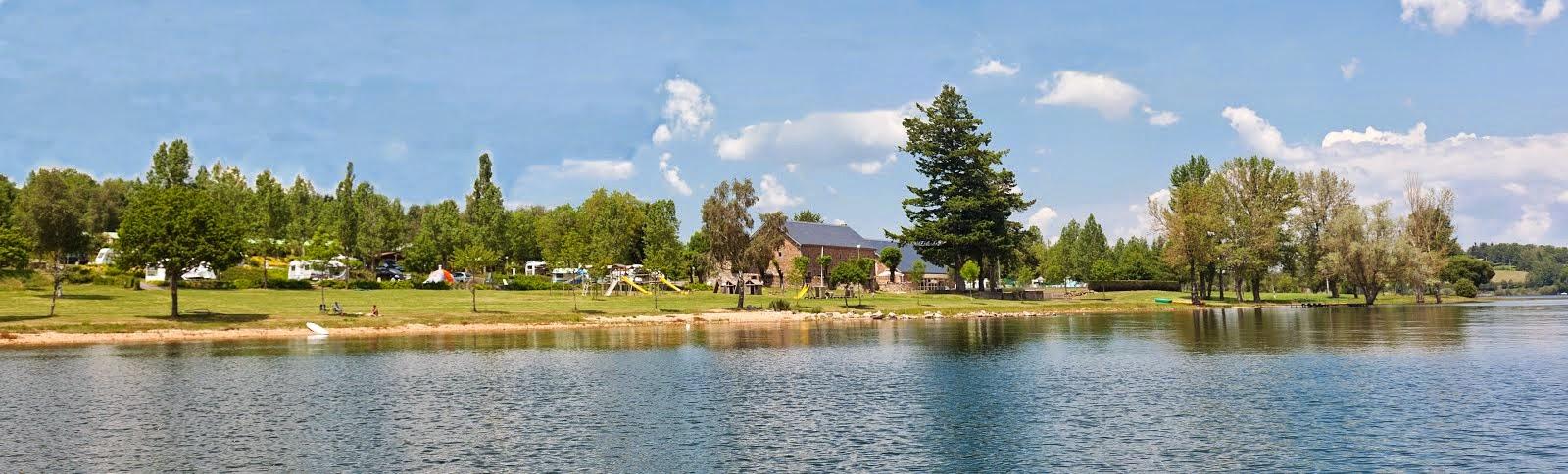Le camping vu du lac