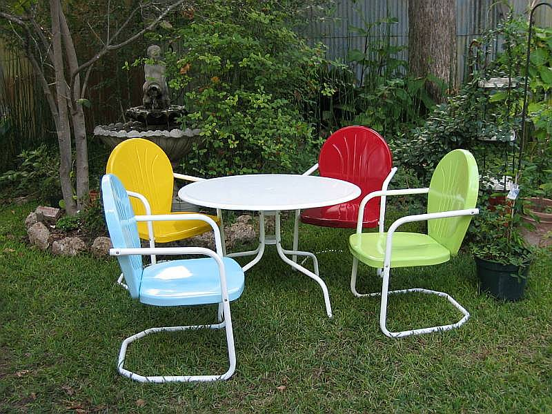 Vixen von vintage summertime retro patio for Retro outdoor furniture