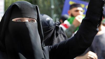 Garotas da Chechênia enganam o Estado Islâmico