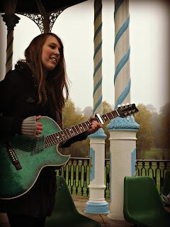 singing, guitar