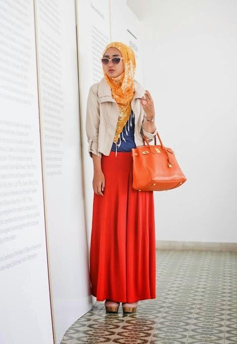 Kombinasi hijab dan busana modern dian pelangi