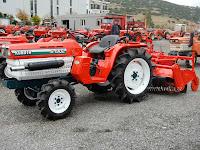трактор Kubota B1902
