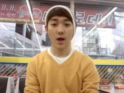 [Pic][10.12.11] Fotos pre debut de Aron 1