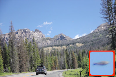 Very Clear UFO Caught Above Yellowstone 2015, UFO Sightings