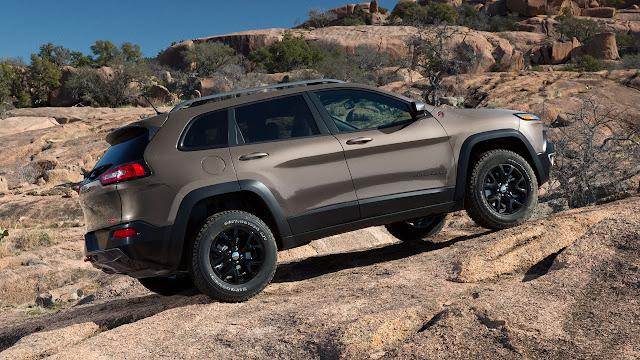 2014 Jeep® Cherokee grey