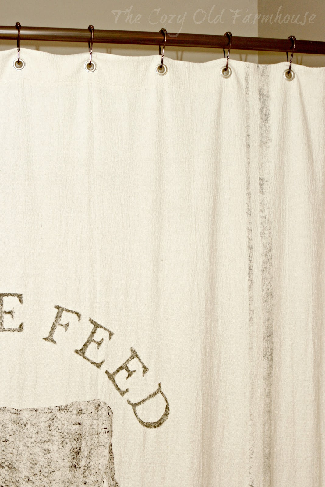 The Cozy Old Farmhouse Painter 39 S Dropcloth Becomes Diy Grain Sack Shower Curtain