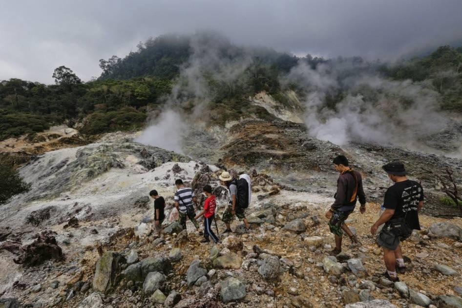 4 Wisata Air Panas Di Bogor Tempat Wisata Di Bogor