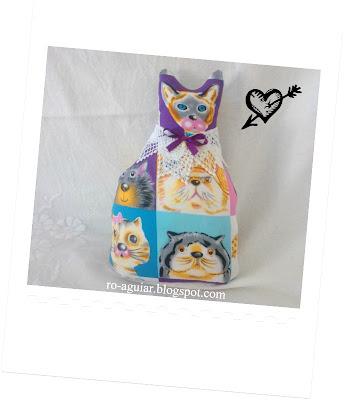 peso-de-porta gatinho em patchwork