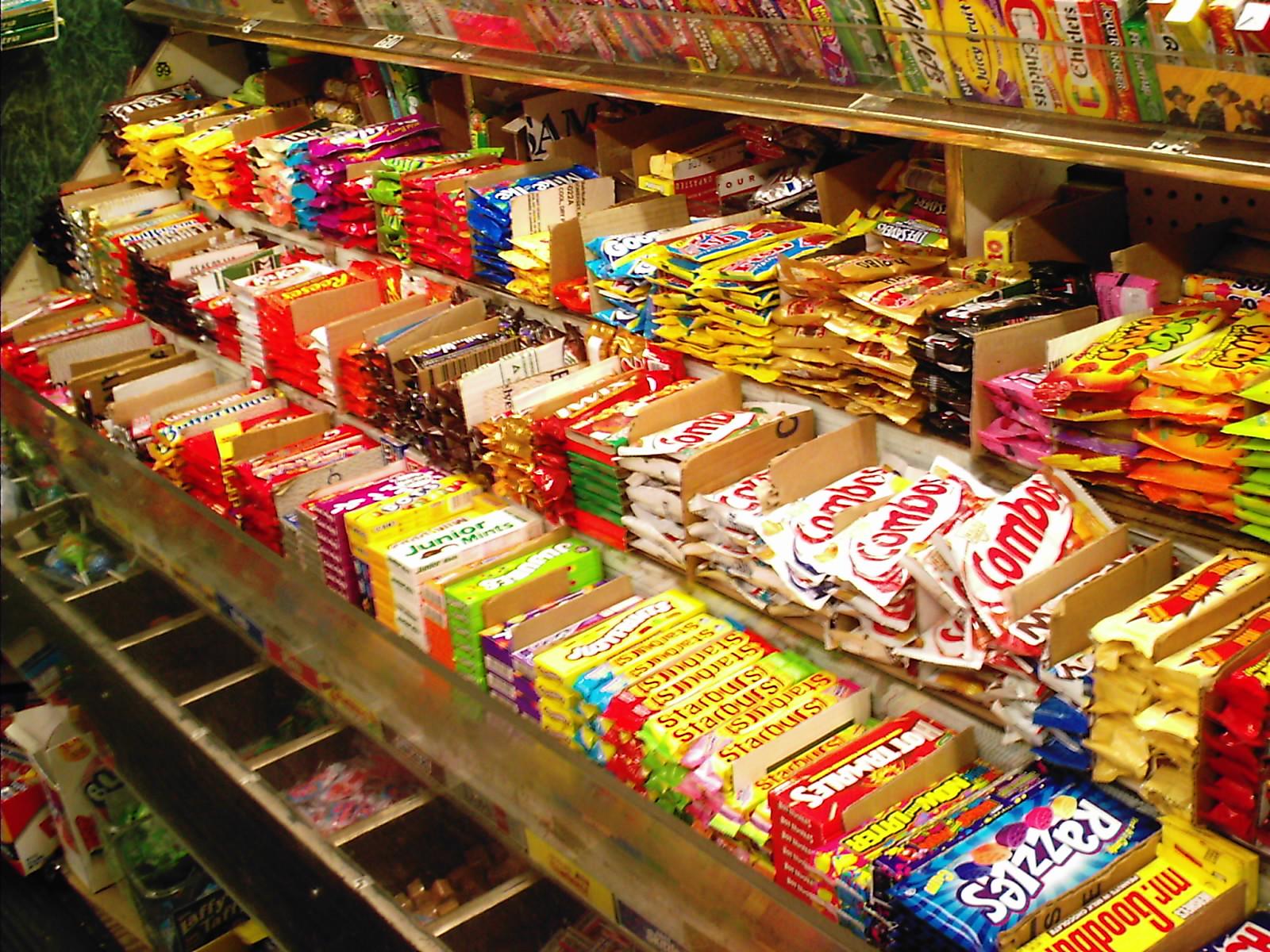 http://1.bp.blogspot.com/-gD20iXW7iiM/TWVUAcivP2I/AAAAAAAAAHY/tS3uzlV1JLg/s1600/Assorted_snacks.jpg
