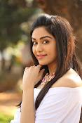 Adah Sharma glamorous photos-thumbnail-9
