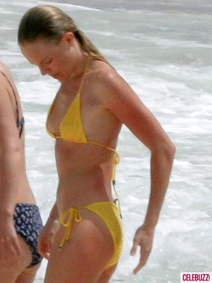 Kate Bosworth Yellow Bikini 7 435x580 Television appearance, performing Adolescent Sex 1979