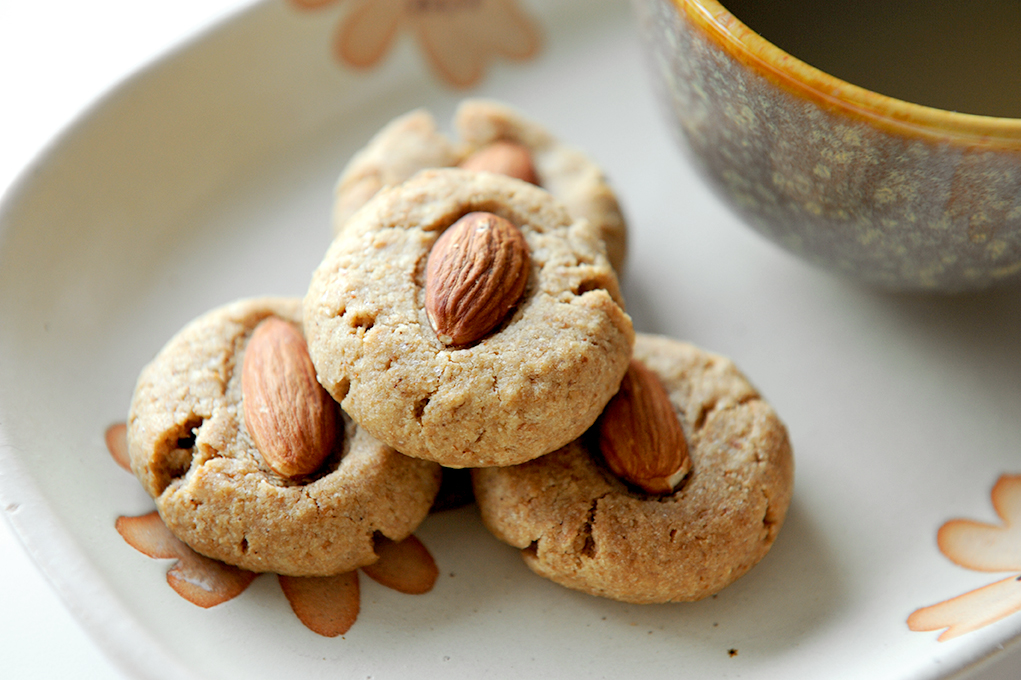 The Heart of Baking: Chinese Almond Cookies w/ a Spin
