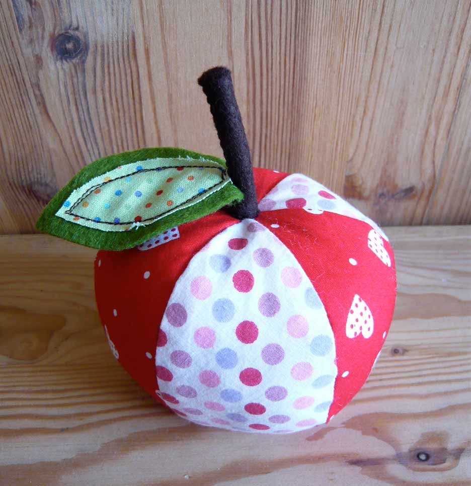 Apple Pincushion Pattern | Make: - makezine.com