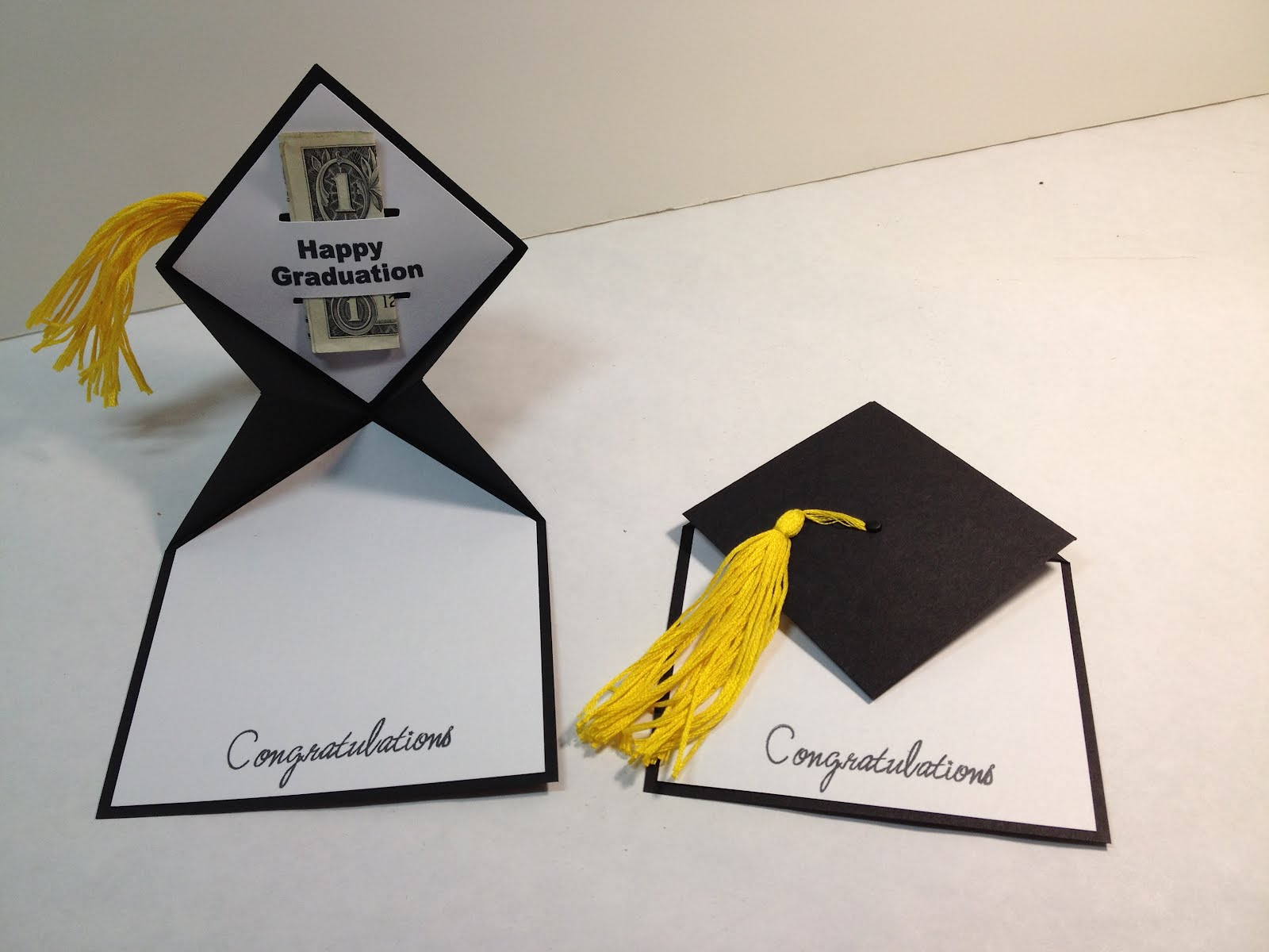 i saw this graduation card on pinterest but was unable to find any instructions on how it was made after an evening of playing i finally figured it out