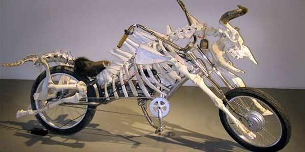 ... hal aneh lainnya untuk sepeda motor di dunia atau di Indonesia