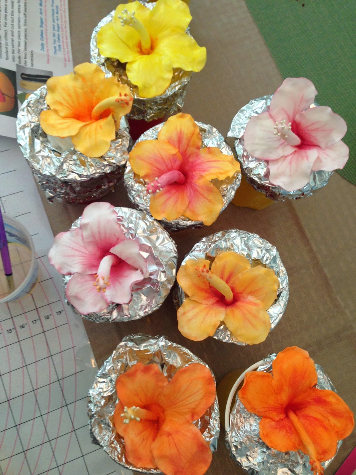 Diy Gum Paste Hibiscus Flowers Bananas Bumps Distractions