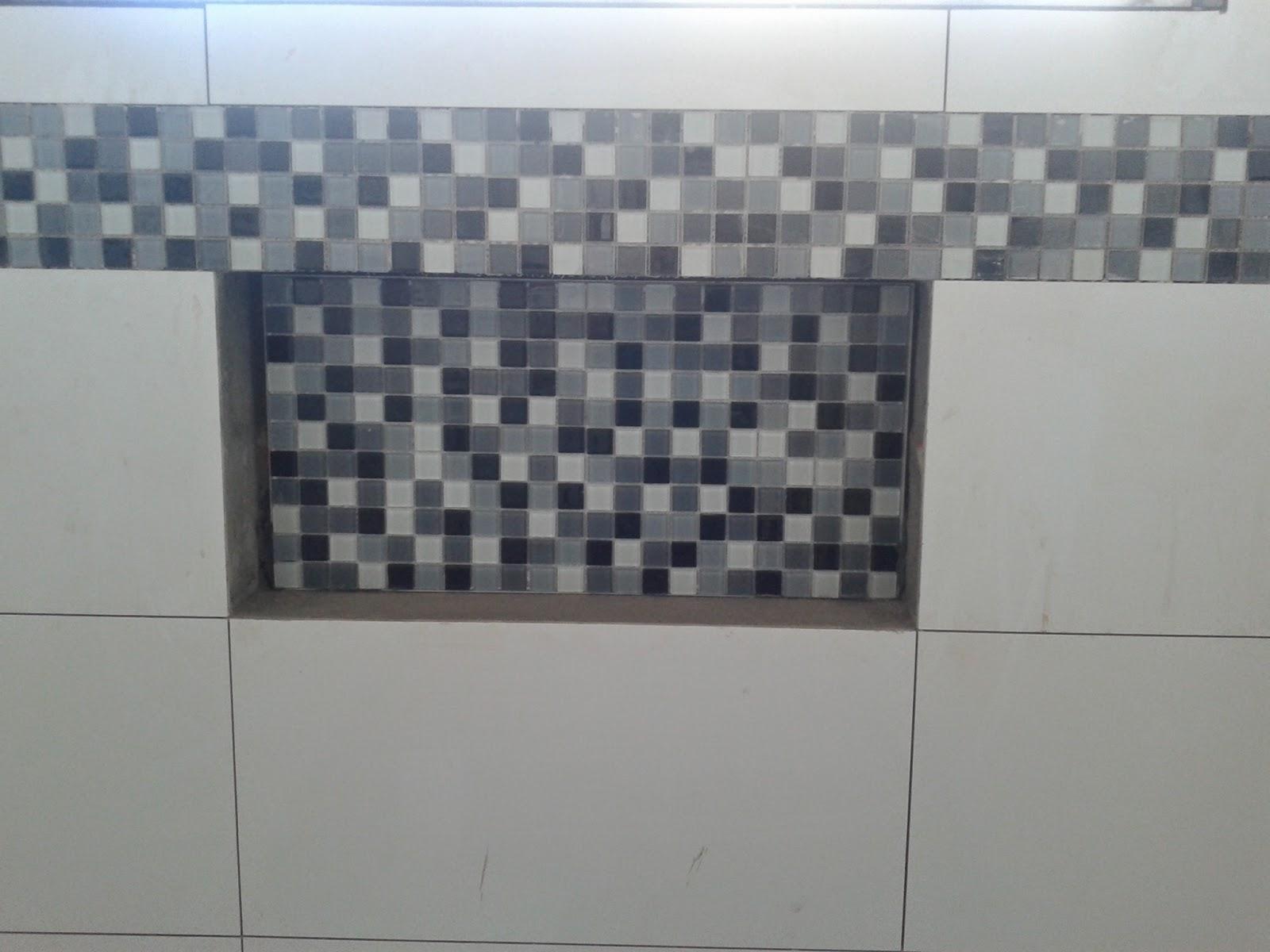 do azulejo branco assim elas ficaram com acabamento melhor lá fundo #505964 1600x1200 Acabamento De Banheiro Preto