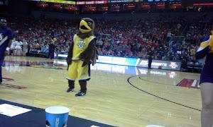 HIYA EAGLE!