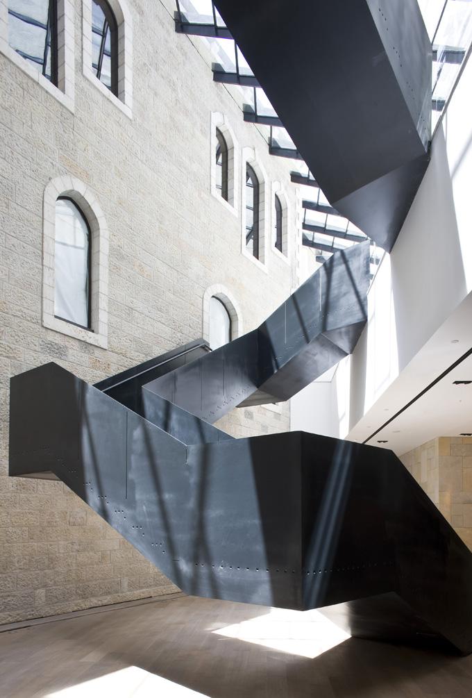 Livin sponge 10 cool spiral staircase designs for Hotel design jerusalem