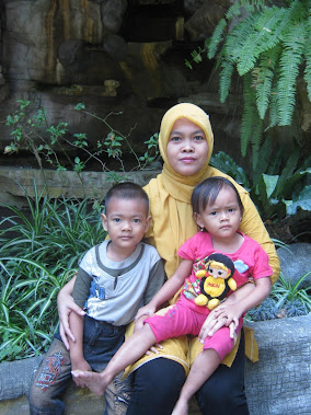 Tante Icha with Babbies